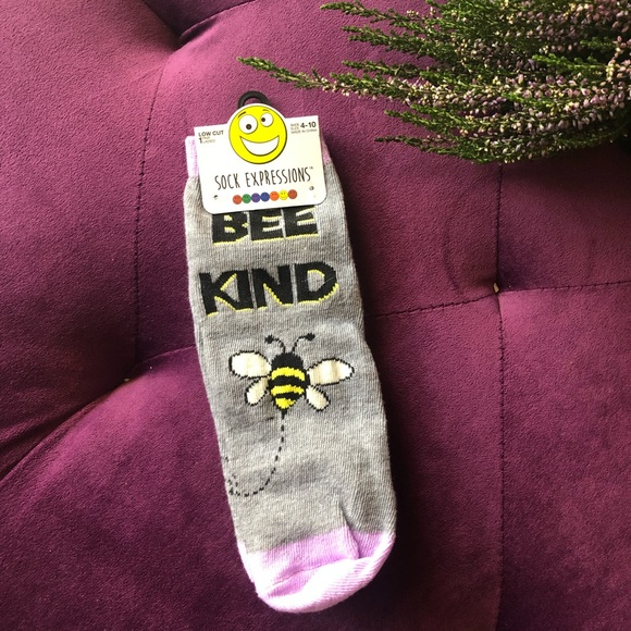 Urban Outfitters Accessories - Cute Bee Socks!